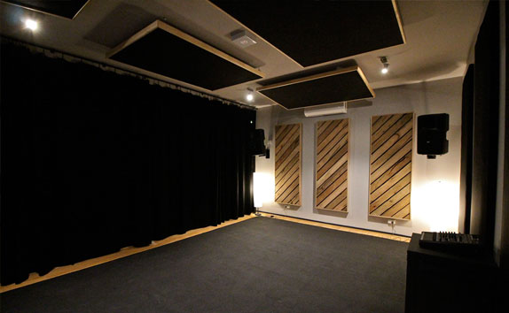 hybrid-room